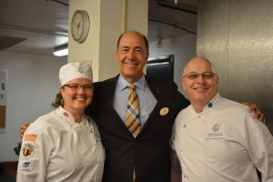 Dean Lane, GM of the Palmer House is happy to host all these bakers, and came to thank Solveig and Pierre for this idea.